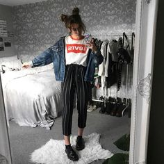 Image about fashion in Moda by Sheyla_ni on We Heart It Mode Outfits, Grunge Outfits, Trendy Outfits, Fall Outfits, Tumblr Summer Outfits, Hipster Outfits, School Outfits, Look Fashion, 90s Fashion