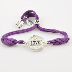 http://www.sklep.lovya.pl/seal-of-feelings-bransoletki/382-bransoletka-love-z-kolekcji-seals-wersja-srebrna.html