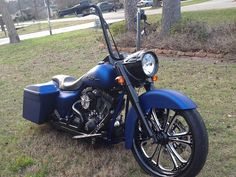 Found on Bing from hillcountrycustomcycles.com Harley Bagger, Harley Softail, Harley Bikes, Harley Davidson Motorcycles, Custom Motorcycles, Custom Harleys, Custom Baggers, Custom Choppers, Custom Street Bikes