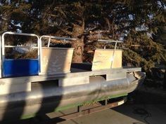 1984 Suntracker Party Barge Rebuild - Pontoon Forum > Get Help With Your Pontoon Project - Page 1 Coyote Hunting, Archery Hunting, Pheasant Hunting, Saltwater Fishing, Kayak Fishing, New Pontoon Boats, Pontoon Party, Party Barge, Deer Hunting Blinds