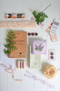 Lilac and peach | Styled by Magnolia Rouge | Photographed by Greta Kenyon | http://burnettsboards.com/2013/12/color-story-lilac-peach/