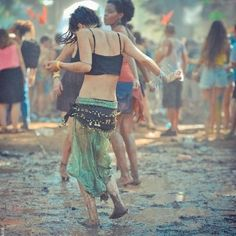 Reminds me of home, mainly for the mud. But also for the inappropriate-for-the-weather hippie dress sense Tantra, Boho Fashion, Fashion Beauty, Gypsy Style, My Style, Rain Days, Dancing In The Rain, People Dancing, Hippie Love