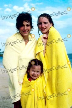 Melissa Gilbert, Sara Gilbert Photo - Melissa Gilbert with Jonathan Gilbert and Sara Gilbert in Hawaii 3-1980 #11274 Photo by Steve Lissau-ipol-Globe Photos, Inc.