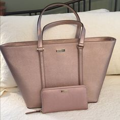 ❤️Kate Spade Dally tote with matching Neda wallet Beautiful Saffiano leather Rosegold tote with matching wallet.Trades PRICE IS FIRM kate spade Bags Totes