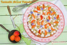 Coucou me revoilou ! Oui j'ai délaissé ces derniers temps la pâtisserie mais c'était pour une bonne cause, la préparation du chantier qui va bientôt commencer pour notre prochaine maison et de notre déménagement à la campagne. Je reviens aujourd'hui avec un dessert très frais réalisé avec un fruit de pleine saison l'Abricot. Vous connaissez le principe du... #abricot #fantastik #pistache