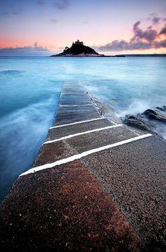 Blue 'n' Pink by midlander1231, via Flickr, St Michael's Mount, Cornwall, UK