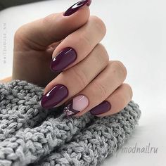 50 Trendy Nail Art Designs to Make You Shine -Deep Purple Nails and Chevron Glitter Accents Cute Spring Nails, Spring Nail Art, Cute Nails, Summer Toenails, Nail Summer, Nagellack Design, Nagellack Trends, Cute Nail Art Designs, Nail Designs Spring