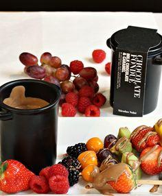 Fondue Chocolate Fondue, Tapas, Caramel, Milk, Fruit, Eat, Desserts, Food, Gourmet