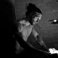 """I wonder, I wonder, what you would do.if you had the power to dream at… - gutaussehend Men Photography, Hommes Sexy, Beard Tattoo, Man Bun, Attractive Men, Beard Styles, Good Looking Men, Male Beauty, Bearded Men"