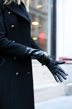 working-girl-commute-essentials-business-attire-formal-wool-coat-earmuffs-leather-gloves-weatherproof-boots11