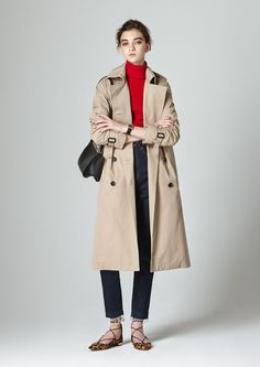easy style, turtleneck, jeans, trench coat, lace up flats Spring Fashion, Winter Fashion, Looks Style, My Style, Pijamas Women, Trench Coat Outfit, Winter Stil, Fall Winter Outfits, Fashion Outfits