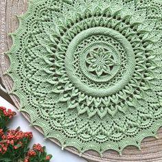 Best 12 Irina's wall photos – SkillOfKing. Crochet Leaf Patterns, Crochet Doily Rug, Crochet Carpet, Crochet Dollies, Crochet Tablecloth, Crochet Round, Crochet Home, Thread Crochet, Crochet Flowers