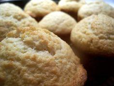 Guava & Cheese Muffins - http://www.elboricua.com/recipe_GuavaCheeseMuffins.html#