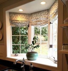 Kitchen bay window treatment fancy kitchen bay window curtains inspiration with best bay window treatments ideas Window Over Sink, Kitchen Sink Window, Kitchen Window Curtains, Window Ledge, Window Sill, Curtains For Bay Windows, Kitchen With Bay Window, Room Window, Kitchen Sinks