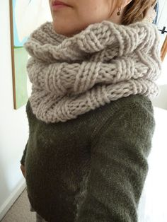 Super chunky cowl 2019 Super chunky cowl The post Super chunky cowl 2019 appeared first on Yarn ideas. Chunky Knitting Patterns, Easy Knitting, Loom Knitting, Crochet Scarves, Knit Crochet, Snood Pattern, Outlander Knitting, Chunky Yarn, Chunky Scarves