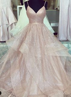 Link pink v neck tulle long prom gown, evening dress, prom dress 2020 Source by dresses idea Pagent Dresses, Gold Prom Dresses, Long Prom Gowns, Prom Outfits, Ball Dresses, Ball Gowns, Dress Prom, Gold Dress, Teen Prom Dresses