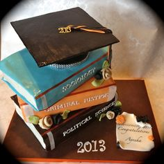 I had a cake like this made for my master's graduation party so I'm not sure if I'll do it again. But it's still a great idea. Graduation Cake Designs, College Graduation Cakes, Graduation Cupcakes, Graduation Ideas, Graduation Desserts, Graduation 2016, Graduation Celebration, Unique Cakes, Creative Cakes
