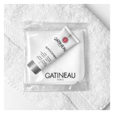 Mélatogénine Refreshing Cleansing Cream and Cleansing Cloth