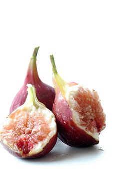 One of the reasons why we use figs in our Fig and Almond Tanker Toppers is because they are a fabulous fruit. High in antioxidants, fiber, and calcium. Literally every ingredient we use in our range is there deliberately. Fruit And Veg, Fruits And Vegetables, Fresh Fruit, Fresh Figs, Fig Recipes, Raw Food Recipes, Exotic Fruit, Fig Tree, Delicious Fruit