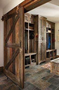 Rustic Kitchen Ideas - Do you want to escape the hectic city life? This write-up includes 30 countrified kitchen designs that include a stunning rustic design to your kitchen . Rustic house 30 Most Popular Rustic Kitchen Ideas You'll Want to Copy City Apartment, Rustic Closet, Rustic Design, Log Homes, Rustic Kitchen, Western Kitchen, Country Kitchen, Barn Wood, Rustic Barn