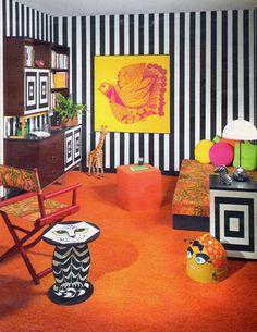 Seventeen - October, 1967 Decor, Retro Home Decor, Log Home Bedroom, Home Decor Bedroom, Dream Decor, Vintage Home Decor, Home Decor, Vintage Living Room, Hotel Style Bedding