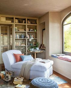 Cozy Reading Room For Your Interior Home Design 46 Cozy Reading Rooms, Reading Room Decor, Cozy Reading Corners, Living Room Decor, Bedroom Decor, Reading Nooks, Living Rooms, Karton Design, Living Room Photos