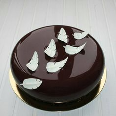 8 Creations mirror glaze cake, cakes like ceramic that again hits Cake Decorating Supplies, Cake Decorating Techniques, Fancy Desserts, Fancy Cakes, Bolo Grande, Decoration Patisserie, Mirror Glaze Cake, Mirror Cakes, Bolo Cake