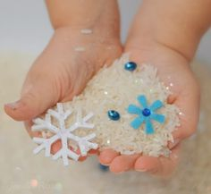 Delightfully cold SHIVER Rice from Growing a Jeweled Rose - this snow rice is such a fun way for kids to play in the snow this Winter! Sensory bottles idea for winter Winter Activities For Kids, Winter Crafts For Kids, Winter Fun, Christmas Activities, Winter Theme, Winter Ideas, Preschool Winter, Xmas Ideas, Winter Season