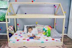 Simple and Easy DIY Superhero Costume Toddler House Bed, Diy Toddler Bed, Toddler Rooms, Diy Superhero Costume, Baby Necessities, Super Hero Costumes, Big Girl Rooms, Easy Diy, Simple Diy