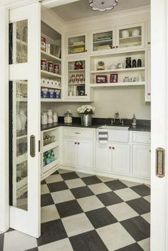 luv this pocket door, ceiling fixture....