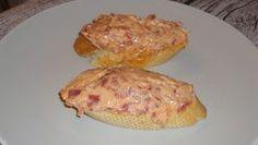 Un pintxo muy rico y sencillo.Seguimos proponiendo aperitivos para las comidas Navideñas. INGREDIENTES REBANADAS DE PAN BAGUET...