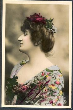 PE121-ARTIST-STAGE-STAR-WYNS-in-PROFILE-Tinted-PHOTO-pc-REUTLINGER
