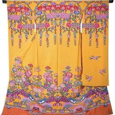 """Bingata""(紅型) Kimonos in 18-19th centuries   http://kimokame.com/kimono-event/bingata-%E7%B4%85%E5%9E%8B-traditional-dyeing-okinawa/#"