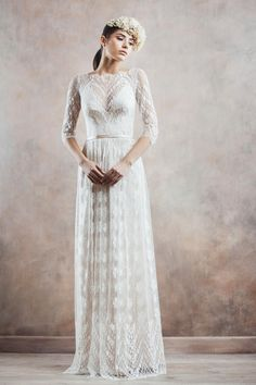 Take a look at the dreamy new wedding dress collection from Divine Atelier, filled with unique wedding dresses and eclectic styles. Wedding Gowns With Sleeves, Wedding Dresses 2014, Long Sleeve Wedding, Bridal Dresses, Bridal Musings, Divine Atelier, Mode Pop, The Bride, Mod Wedding