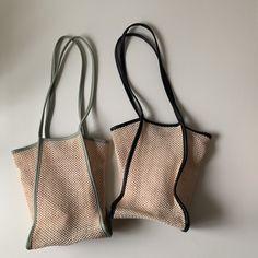 Pin on バッグ Types Of Handbags, Sacs Design, Diy Bags Purses, Boho Bags, Bag Packaging, Craft Bags, Fabric Bags, Summer Bags, Reusable Bags