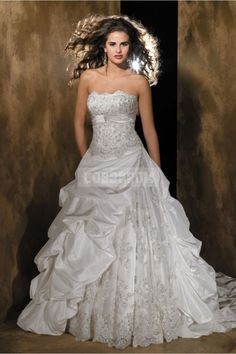Picks Up Taffeta Button Chapel Train Lace-draped Wedding Dress