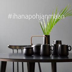 Onko sisustusinspiraatio hukassa? Tai mietitkö, miltä Pohjanmaan sohva tai ruokapöytä näyttäisi ihan oikeassa kodissa? Tutustu muiden kanssasisustajien koteihin ja sisustusratkaisuihin klikkailemalla Instagramissa #ihanapohjanmaan – sieltä löytyy jo satoja sisustuskuvia Pohjanmaan huonekaluilla. 🥰 Ja jos se oma, ihana Pohjanmaan huonekalu jo kotoa löytyy, käy jakamassa sisustusiloa muillekin! ☀️ #pohjanmaan #pohjanmaankaluste #sohva #tuoli #ruokapöytä Table And Chairs, Dining Table, Chair Design, Planter Pots, Dinner Table, Dining Room Table, Diner Table