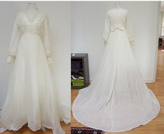 VINTAGE SHEER LACE PEARLS LINED LONG TRAIN IVORY WEDDING DRESS GOWN TIARA VEIL