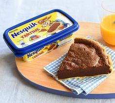 Préchauffez le four à 180°C (th.6).   Fouettez le Nesquik Tartine, le lait…