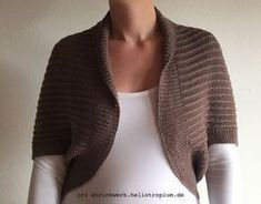 p/supereinfacher-bolero-seelenwarmer-aus-einem-rechteck-gestrickt-kostenlose-anleitung delivers online tools that help you to stay in control of your personal information and protect your online privacy. Crochet Pullover Pattern, Poncho Knitting Patterns, Crochet Cardigan Pattern, Crochet Jacket, Knit Crochet, Crochet Patterns, Crochet Hats, Big Knit Blanket, Diy Mode