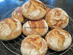 Ruckzuck-Potato-Roll No. 3 with whole-grain flour Bread Recipes, Baking Recipes, Cake Recipes, Bread Bun, Bread Rolls, I Love Food, Good Food, Pampered Chef, Bread Baking