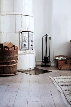 Antique kakelugn vary in shape (they can be round, rectangular, or columnar) and are designed to be placed in a corner or against a wall. Heights range from about 5 feet 10 inches up to 9 and 10 feet tall.: Remodelista