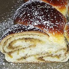 Hot Dog Buns, Hot Dogs, Hamburger, Bread, Breakfast, Ethnic Recipes, Cakes, Dios, Morning Coffee