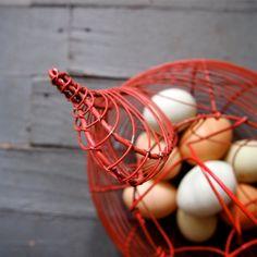 Wire Chicken EGG BASKET in Barn Red