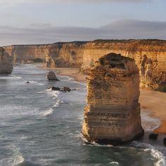 There's this road down in Oz...it's pretty GREAT.. #greatoceanroad #greatoutdoors #bigbeautifulworld #12apostles  #adventuresinoz #exploringdownunder #travelgram by _chasingrace_