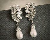 LAYLA, Vintage Style Crystal and Pearl Wedding Bridal Earrings, Oval Rhinestone Bridal Wedding Studs, Art Deco Teardrop Pearl Earrings