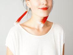 Chate // Tassel Earrings/ Fringe Earrings/ Statement Earrings/ Ivory Red Ombre Earrings/ Gold Earrings/ Dangle Earrings #etsy #fashion