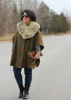 zara cape, vintage fur collar, stripe top, yoga jeans, clare vivier clutch