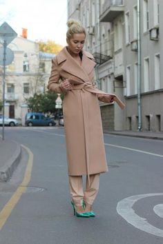 Как выбрать и где купить идеальное бежевое пальто в стиле Max Mara! Стилисты Школы Шопинга советуют!