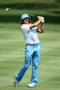 Rickie Fowler Slacks - Rickie sure knows how to entertain with his bright colors and attention getting style. Check out these baby blue pants with matching belt and hat! Womens Golf Wear, Womens Golf Shirts, Rory Mclroy, Louie Vito, Pga Tour Players, Golf Images, Rickie Fowler, Mens Golf Outfit, Sports Highlights